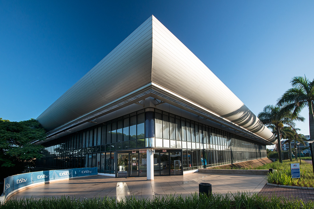 Modern Architecture Defining Contemporary Lifestyle In: Hulett's Head Office (Now Glass House)
